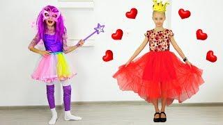 Polina se viste con un hermoso vestido de princesas