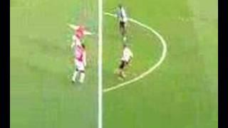 Kieron Dyer Scores against Arsenal