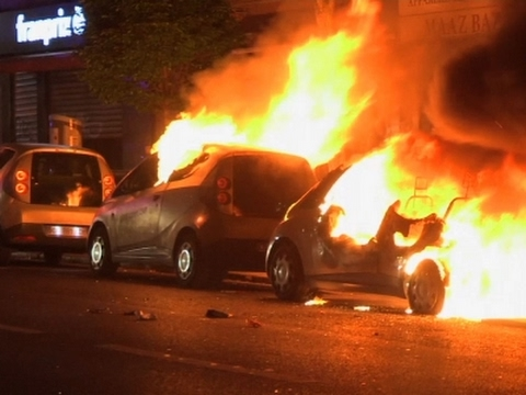 Thumbnail: Raw: Post-Election Unrest, Cars on Fire in Paris
