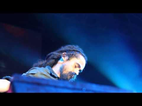 Damian Marley - Still Searching (Reggae Sumfest 2013)