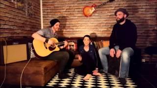 Video RiNi feat. Esi&Nico - Flashlight - Jessie J - Acoustic Cover Live download MP3, 3GP, MP4, WEBM, AVI, FLV Oktober 2018