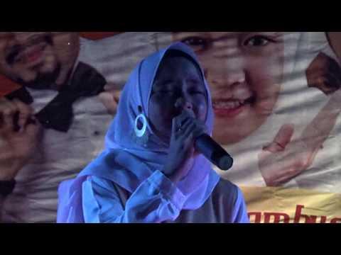 Bersujud kepada Alloh Cover Nissa Sabyan Live UGM