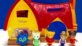 DANIEL TIGER NEIGHBOURHOOD Toys Cabin Sleepover!