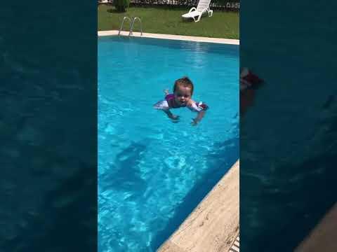Nisan Aktaş / havuzdaki ördek 🐥