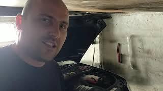 Самый обычный день в гараже. Меняю масло, осматриваю авто на наличие неисправностей...