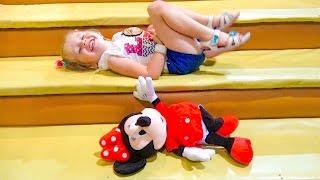 МИННИ МАУС крутые АТТРАКЦИОНЫ и супер ПАРК РАЗВЛЕЧЕНИЙ для детей Видео для детей ВЛОГ vlog