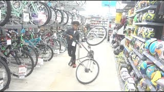 RACING BIKES IN WALMART WITH THE BAD KIDZ *SecurityComes