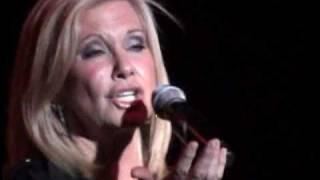 Olivia Newton-John - Hopelessly Devoted To you [Complete] Arena Santiago 15 Noviembre 2010