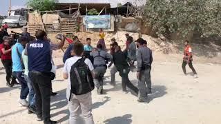 بالفيديو .. القوات الإسرائيلية تعتدي على أهالي الخان الأحمر