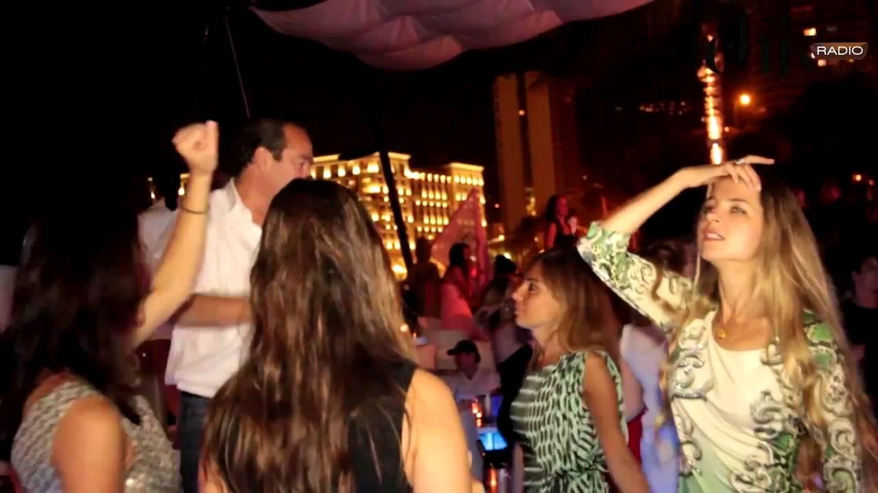 Русская девушка на вечеринке фото 406-679