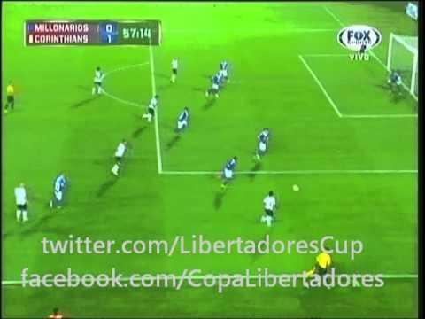 Gol de Corinthians ante Millonarios (Danilo al m56)