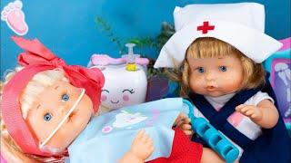 Download Video Oh non! Noa chez le dentiste et Noé est l'infirmière! La bébé Nenuco porte des crochets ! 🚑 MP3 3GP MP4