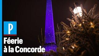 A Paris, l'obélisque devient bleu pour les fêtes de Noël