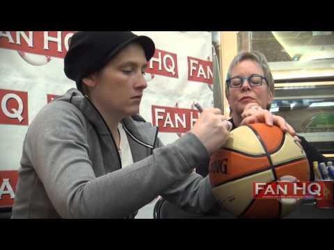 Lindsay Whalen autograph