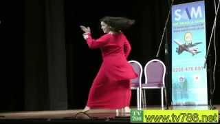 ZARA AKBAR Dance at Punjabi Stage Drama CHALO CHALO UK CHALO