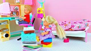 ДАЙ СПИСАТЬ! В школе   Играем в куклы Барби  Видео для девочек