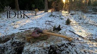 granfors small forest axe splitting wood