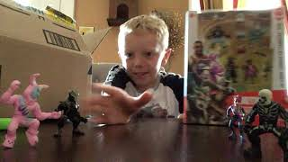 Unboxing fortnite moose toys 4 pack