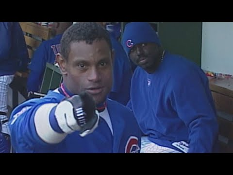 Sosa Smashes His 64th Home Run Of 2001