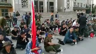 青島平度老兵靜坐申冤。公安局長帶頭打老兵戰友。和平請願