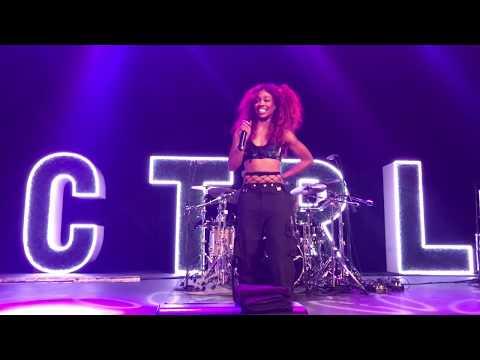 Sza - Broken Clocks (Ctrl Tour live @ The Novo in Los Angeles, CA 9/25/17)