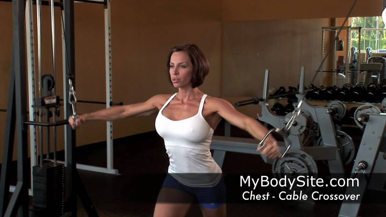 Ava Cowan - Chest Cable Crossover for the Pecs - YouTube