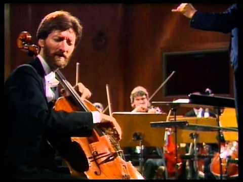 Rocco Filippini interpreta le variazioni Rococò di Ciajkowskij.