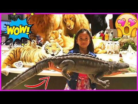 Ira & Bella Play With REALISTIC STUFFED TOYS & CUTE ANIMALS VIDEO For Kids | Fun At ORBI Dubai