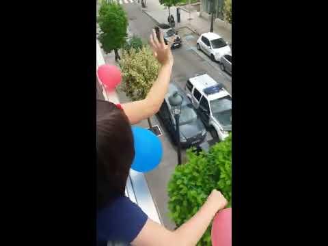 La Guardia Civil felicita a un niño su cumpleaños en López Mora