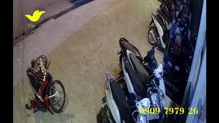 Nhờ lắp đặt camera giám sát cửa hàng giá rẻ mà ông chủ đã tóm gọn nhóm côn đồ