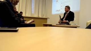 Сенатор Александр Коровников на встрече с блогерами