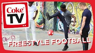 Manny gets a Football Freestyle lesson from World Champion Andrew Henderson | #CokeTVMoment