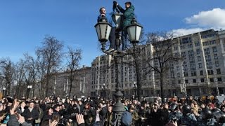 Growing Discontent with Corruption Brings Thousands of Russians to the Streets