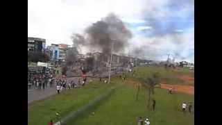 Manifestação em Valparaiso de Goias, contra o transporte público de baixa qualidade 17/03/2014