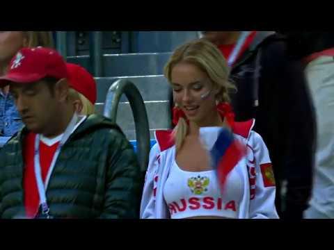 Российская болельщица показала грудь на матче Россия-Египет (Чемпионат Мира 2018)