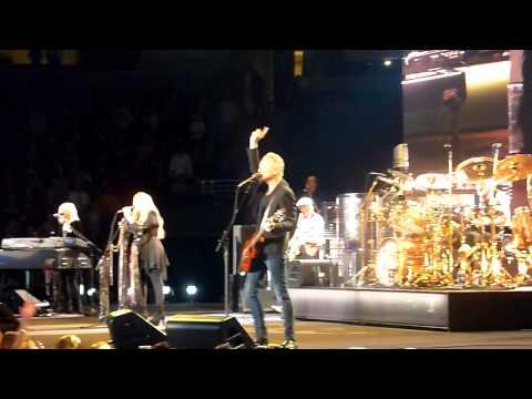 Fleetwood Mac - Don't Stop - Pepsi Center - Denver - 4-1-2015