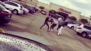 LIL TRILL VS WHOP BEZZY FIGHT OUTSIDE THE MALL.