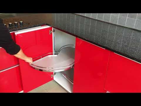 Cocina Modular Marca: XEY, Acabado: Estratificado Y Cristal, Color: Rojo Brillo Y Blanco