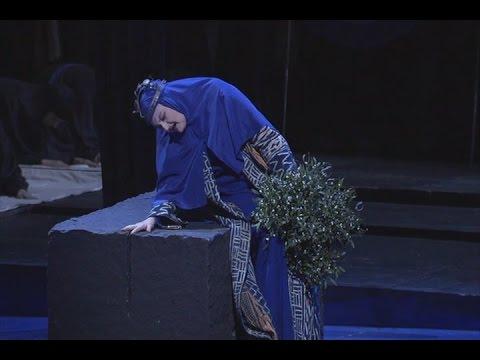Edita Gruberova - 'Casta Diva' - Norma - Bellini . (multi-subs)