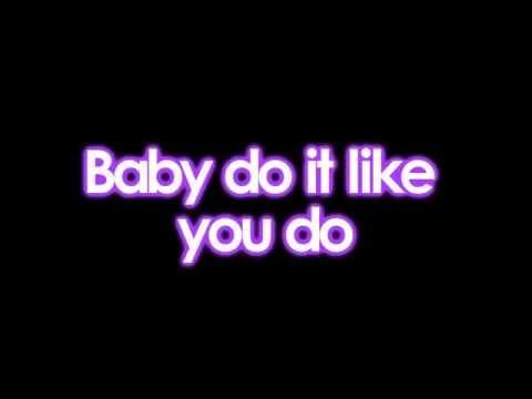 Justin Bieber ft Nicki Minaj - Beauty And A Beat [Lyrics On Screen]