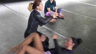 Heather Raftery teaches a sweep in all-female BJJ class @ Tiger Muay Thai