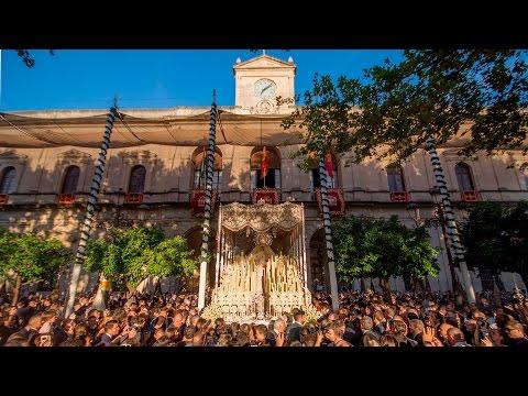María Santísima de la Paz en la Plaza Nueva (Coronación).
