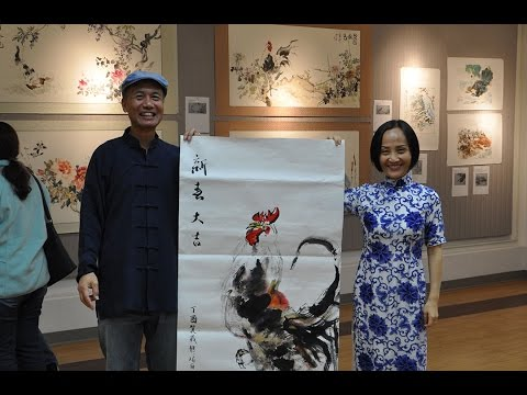 Painting a lucky rooster for the coming new year(2017) with Henry Li