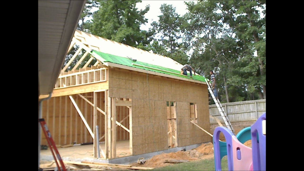 Construction Time Lapse Of A 22x30 Suburban Stick Built