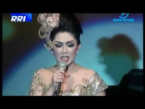 BENTANG MANGLAYANG,- BATRAWALI ( konser tanda cinta RIKA RAFIKA )