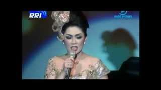 Download Video BENTANG MANGLAYANG,- BATRAWALI ( konser tanda cinta RIKA RAFIKA ) MP3 3GP MP4