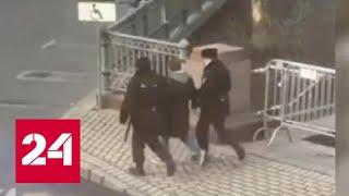 Задержанный за выгул собаки москвич с женой задолжали миллионы за ЖКХ - Россия 24