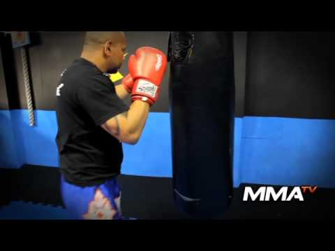 d3e84bc89 Francisco Veras - Video Aula Muay Thai - Treino no saco de pancada ...
