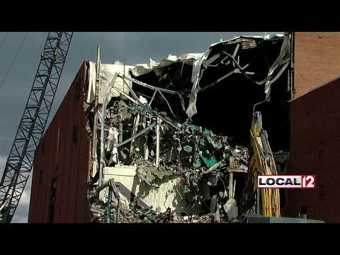Demolition begins on Cincinnati Gardens