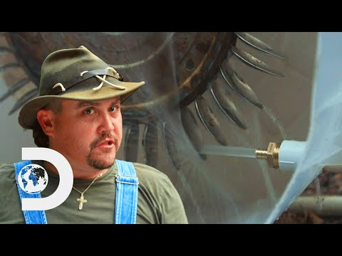 How To Make A DIY Hydro Generator | Moonshiners